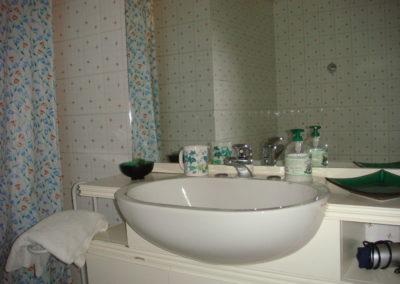 bagno-camera-azzurra-B&B-Girovagando-Porto-Sant-Elpidio-