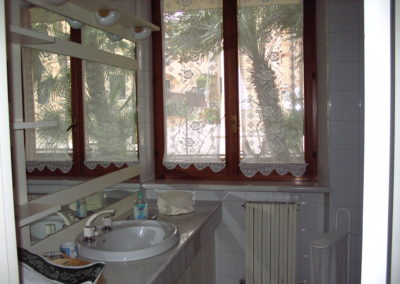 bagno-camera-salmone-B&B-Girovagando-Porto-Sant-Elpidio-